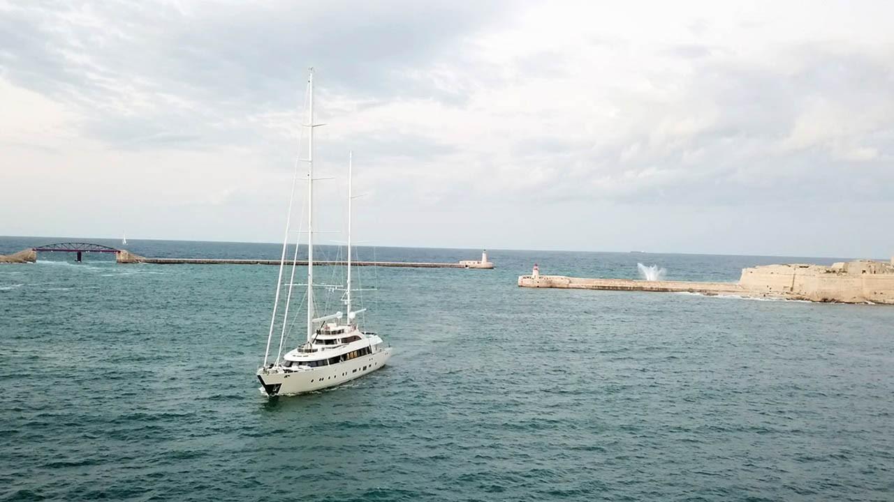 Barca a vela Aresteas