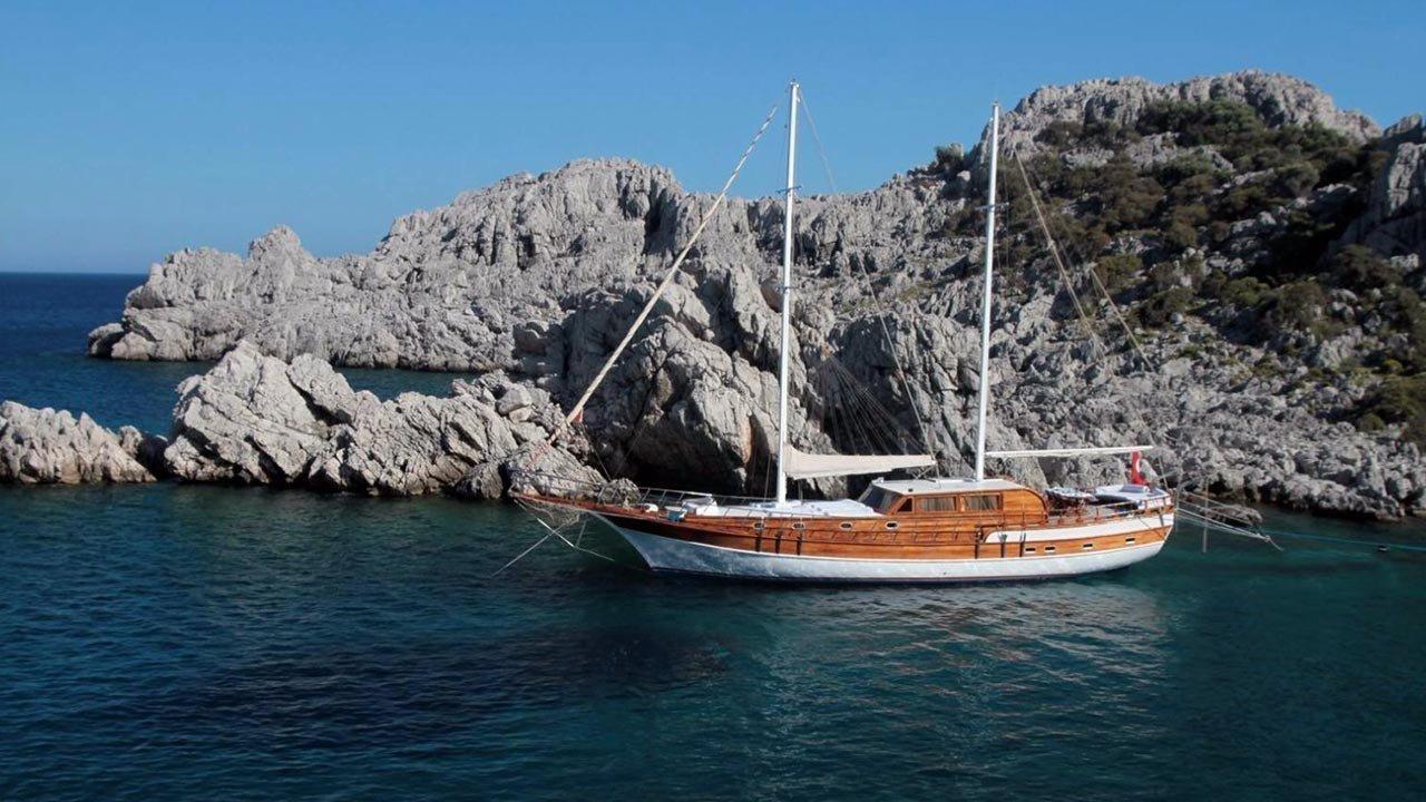 Caicco Azra Deniz
