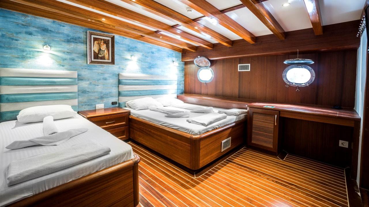 Caicco Love Boat