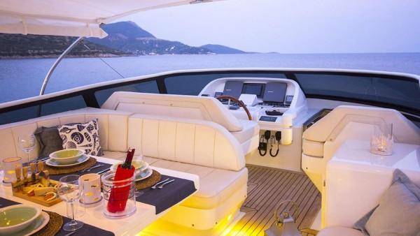 Motor Yacht Caelum