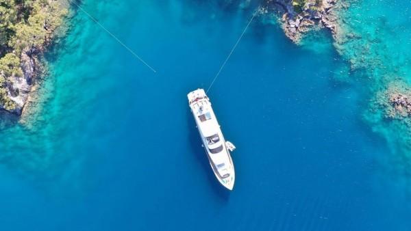 Motor Yacht Crocus