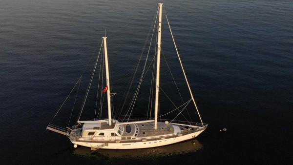 Eloa Barca a vela