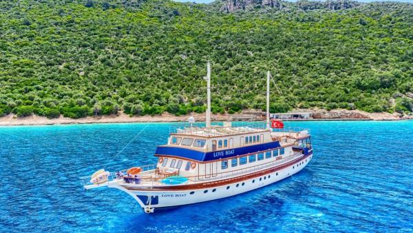Love Boat Caicco