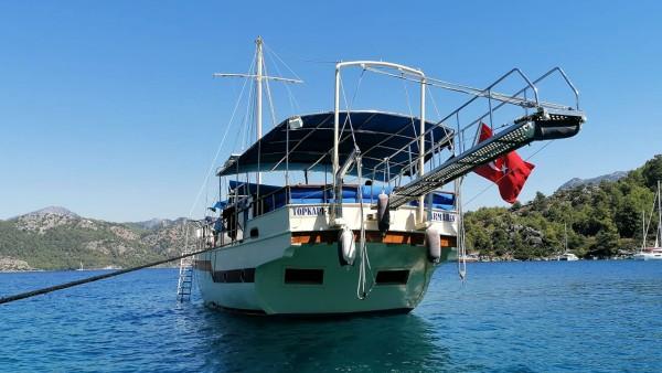 Motor Yacht Floki
